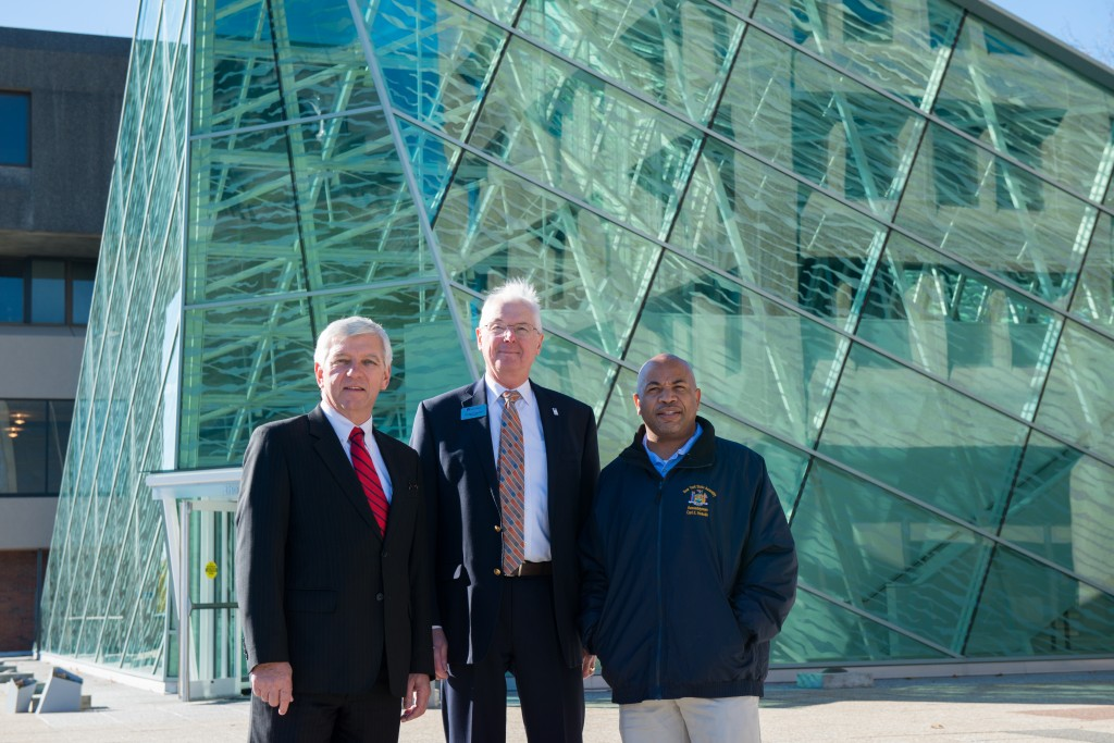 20151120-1_Campus Visit with Kevin Cahill and Speaker Heastie_139