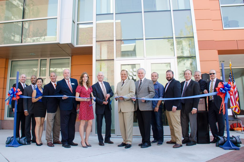 20160914-1_wooster-hall-ribbon-cutting_088